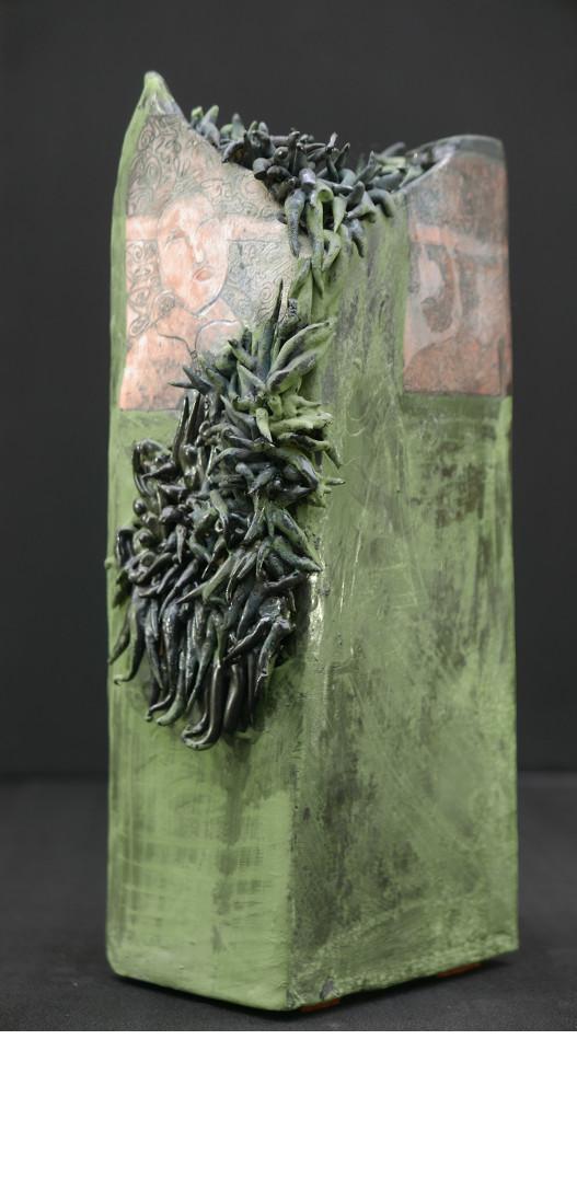 SANCTUAIRE, 2015 céramique - engobe - émail et cire (13x8.5x9cm) - Inv. 00045 vendu