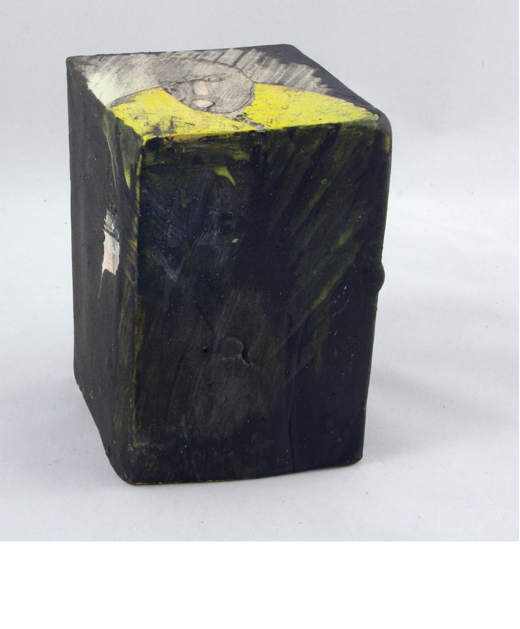 L'HÔ SUR FOND NOIR , 2014 céramique - engobe - émail et cire (13x9x9cm)   -  Inv. 00146 (+) DÉTAILS