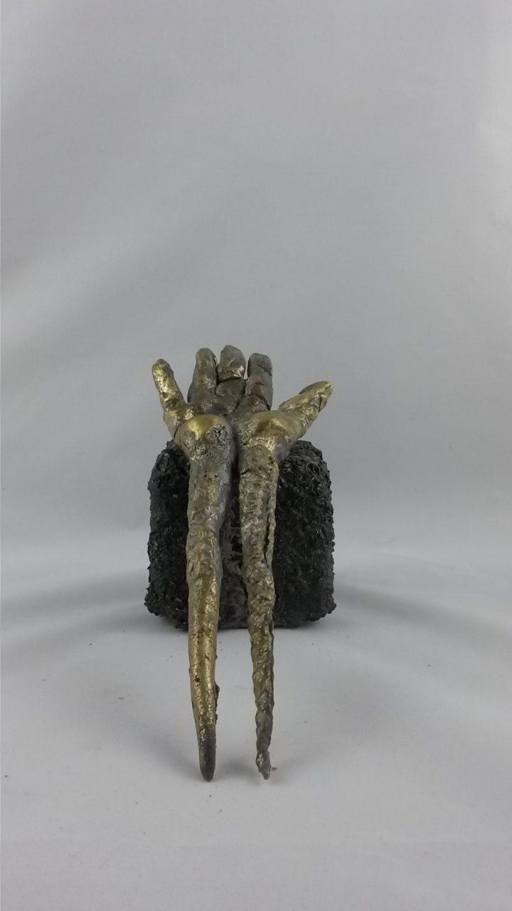 MAIN, 2014 bronze à la cire perdue (25x10x4cm)sur céramique - Inv. 00108 (+)DÉTAILS