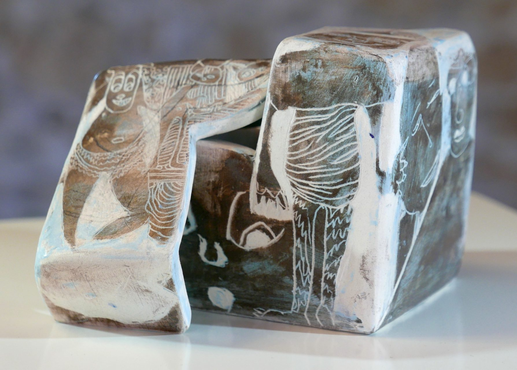 ENROUEMENT, 2016 céramique - engobe - cire (14x14x14cm) - Inv. 00067 - vendu