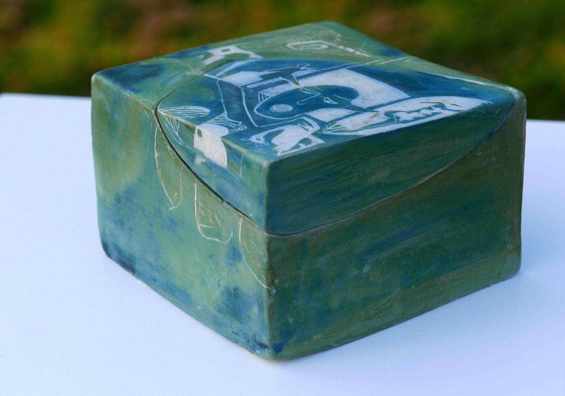 TENDRE VERT, 2016 céramique - engobe - émail et cire (8x13x8cm) -  Inv. 00101 - VENDU